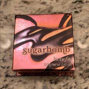 Benefit Cosmetics blush in sugarbomb.